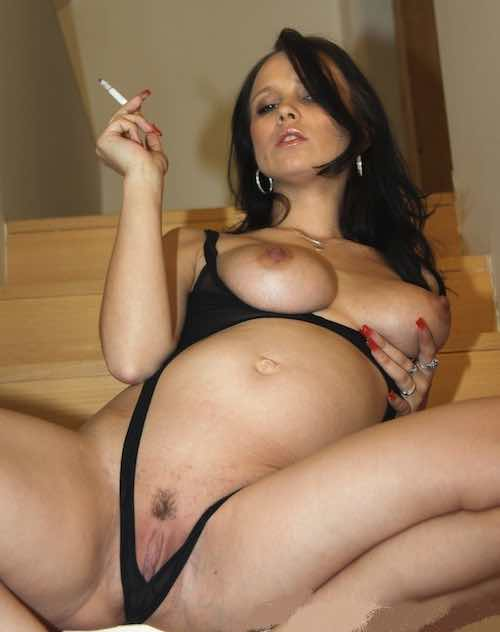 Sexy Pregnant Smoker Doing Cam Show  My Preggo Cams-4255